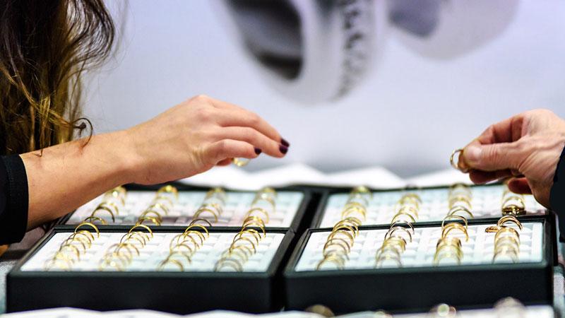 نورپردازی دکور فروشگاه جواهر و طلا فروشی